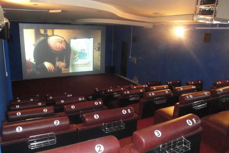 lắp đặt rạp chiếu phim kiêm quán cafe tại phú quốc