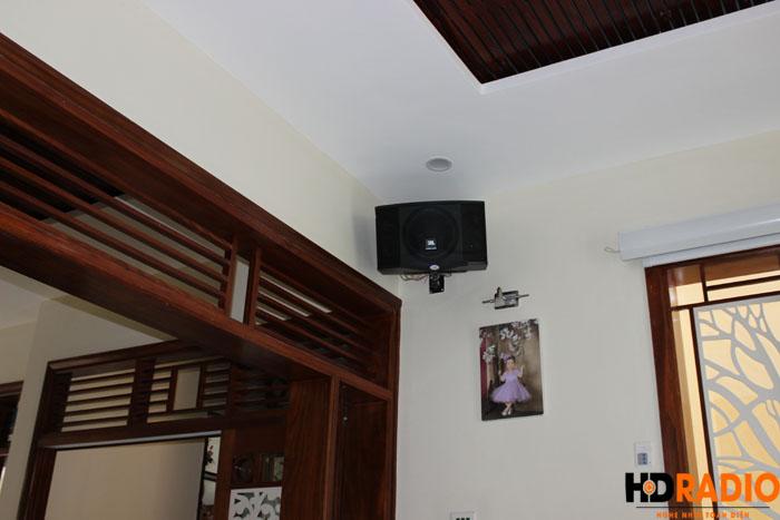 Biến phòng khách thành phòng chiếu phim gia đình A Dũng Biệt Thự Cầu Tó - Hà Nội - Hình 3
