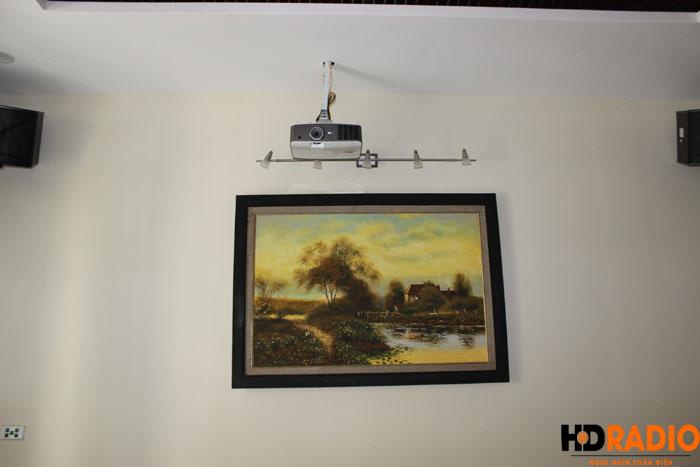 Biến phòng khách thành phòng chiếu phim gia đình A Dũng Biệt Thự Cầu Tó - Hà Nội - Hình 7