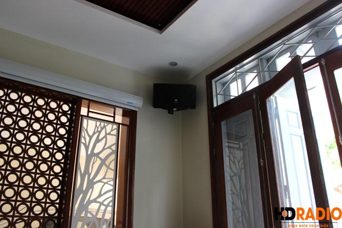 Biến phòng khách thành phòng chiếu phim gia đình A Dũng Biệt Thự Cầu Tó - Hà Nội - Hình 11