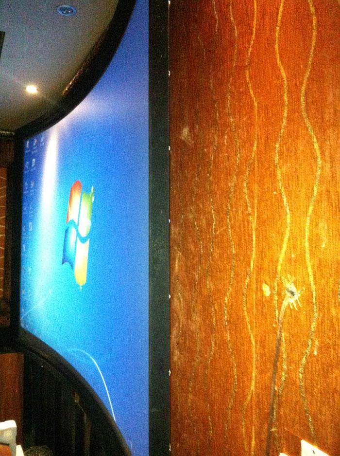 Phòng chiếu 3D kinh doanh Optoma HD66 kết hợp màn cong bạc 120 inch