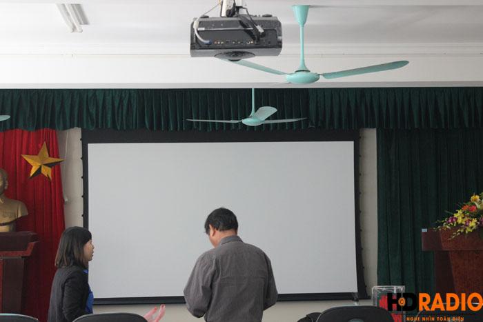 Phòng chiếu phim kết hợp làm hội trường công ty - Hình 5