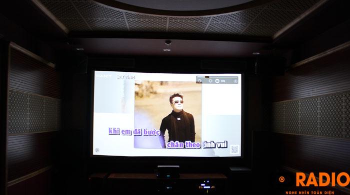 Hát karaoke với màn hình lên tới 140inch - Hình 2