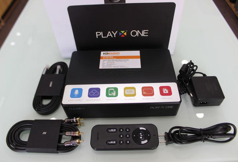 Trọn bộ phụ kiện Đầu Karaoke Hanet Playx One 2TB gồm có: 1 Cáp HDMI + 1 Cáp AV + 1 Điều khiển + 1 cáp nguồn + 1 Box