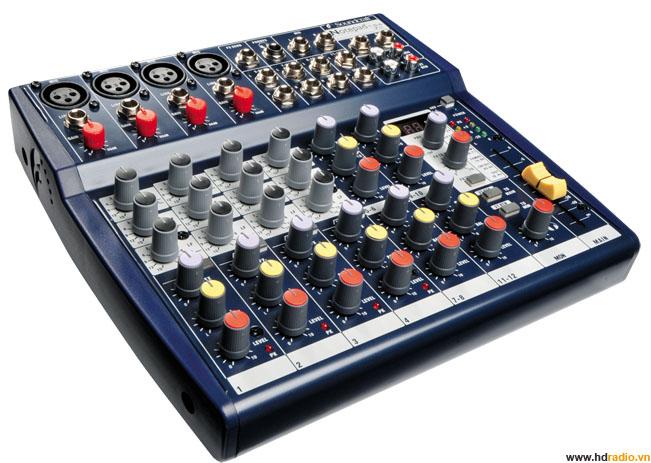 Mixer SOUNDCRAFT Notepad124FX