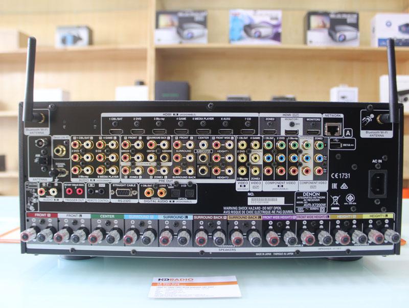 Mặt sau Amply Denon AVR-X7200WA, nhìn vào thật quá chóng mặt, nhưng khi đấu nối lại cảm thấy vô cùng đơn giản.