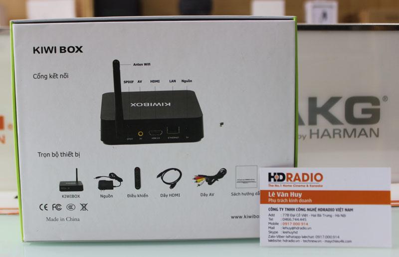 Mặt sau vỏ hộp Kiwbox S3 Plus, thể hiện phụ kiện của box ngay ở ngoài vỏ hộp