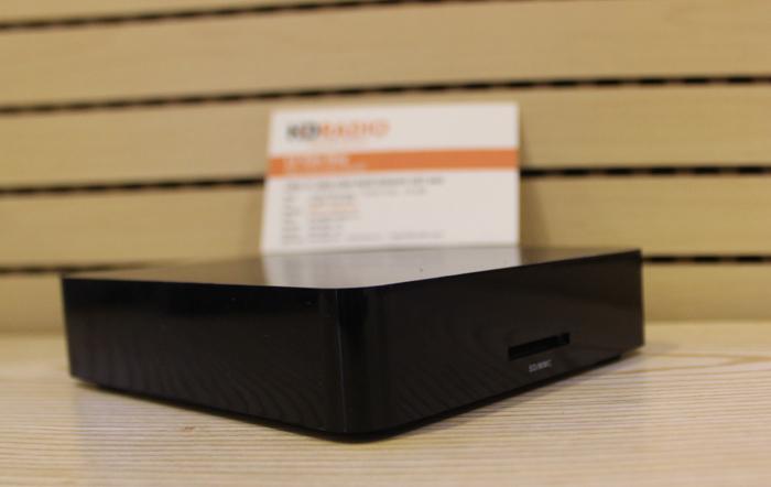 HiMedia Q1 IV - QuadCore, Ram 1G, Rom 8G, 3D, 4K-mặt nghiêng