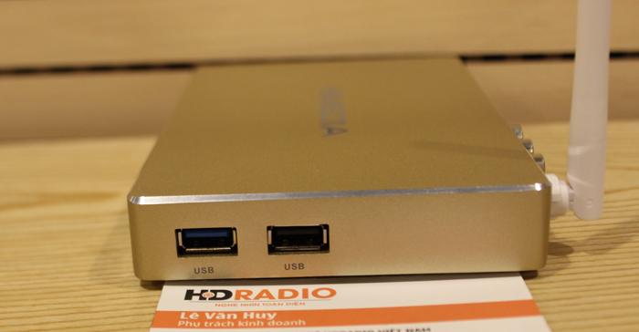 Khe cắm USB của Himedia Q8