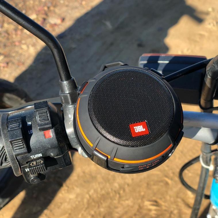 Loa JBL WIND có đài FM, chuyên gắn xe máy giá tốt nhất 2021