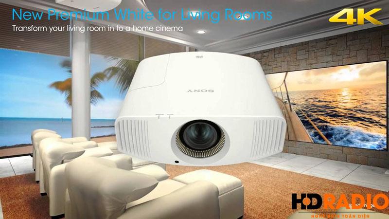 Máy chiếu 4K Sony VPL-VW320ES đẳng cấp cho phòng chiếu phim gia đình.
